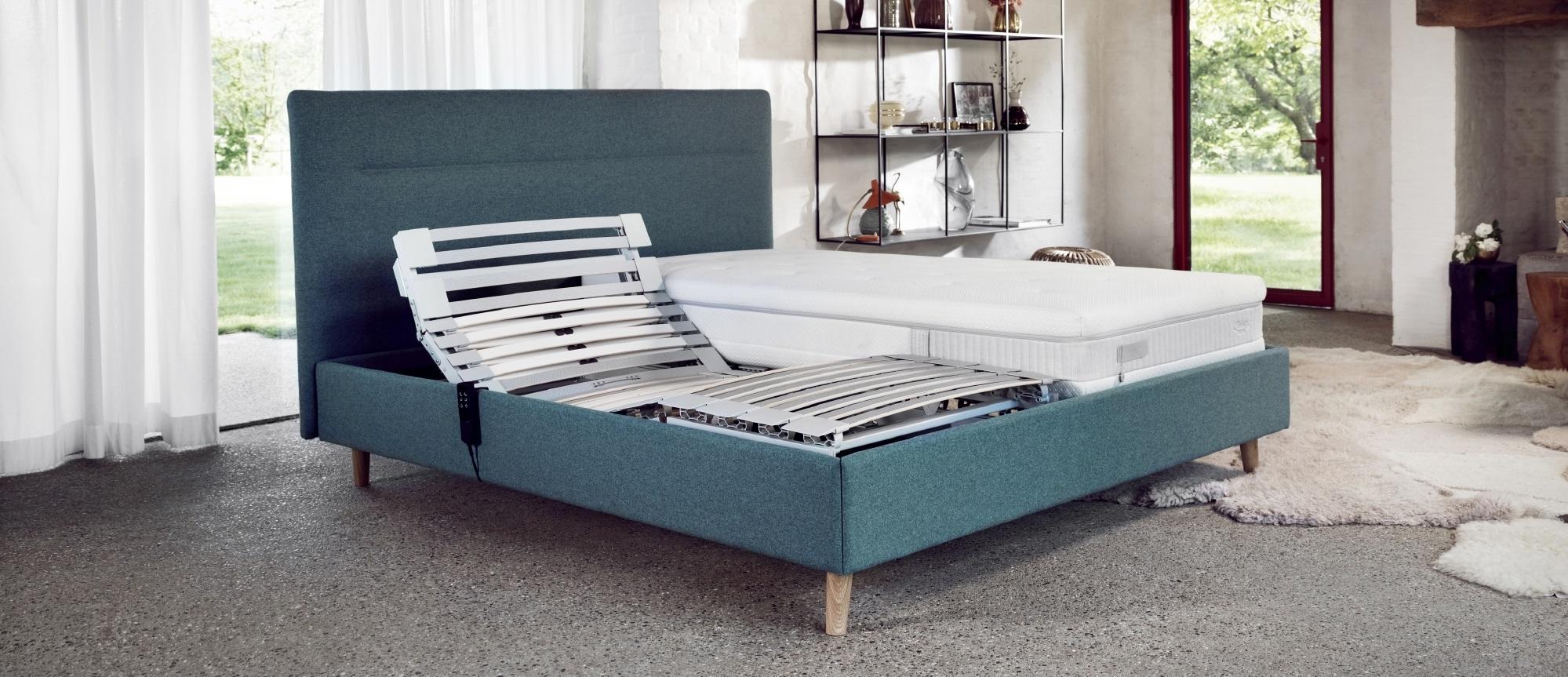 Cadre et tête de lit Lattoflex modèle Riga bleu nature aqua